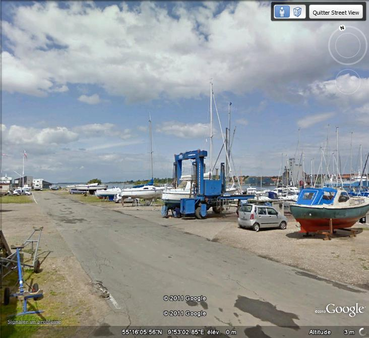 STREET VIEW : machine pour déplacer les bateaux à Assens ( Danemark )  Machin10