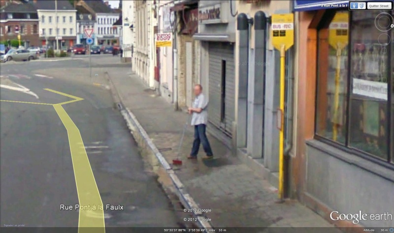 STREET VIEW : les gens nettoient  Nettoy13
