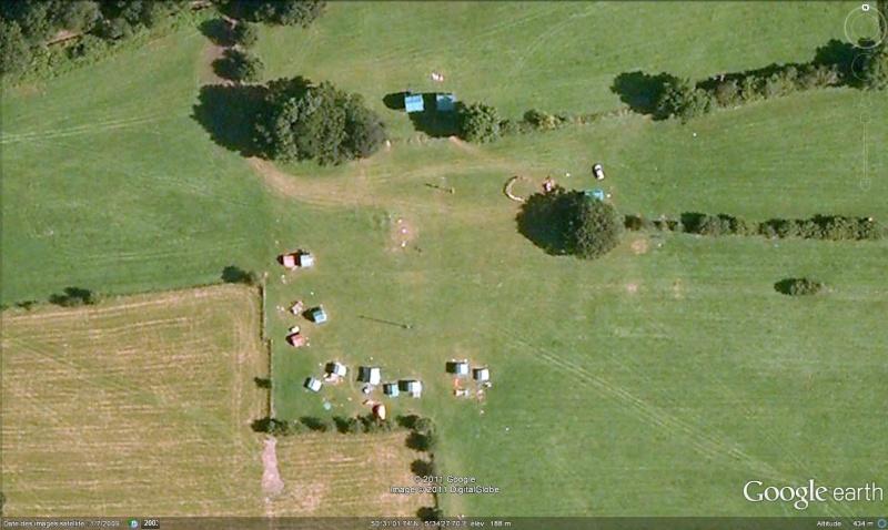 Fêtes, concerts et autres attroupements sur Google Earth  Scout_10
