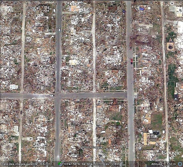 Mises à jour des photos aériennes et des images satellites. Tornad11