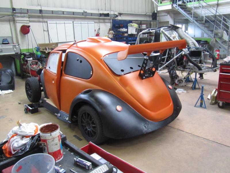 Bonjour je m'appelle Claudine, mon travail; la carrosserie et la peinture automobile Vv110