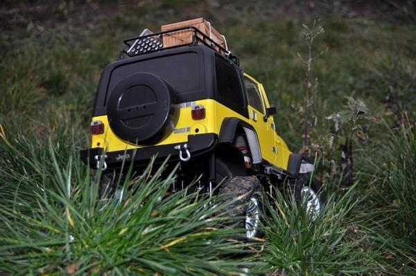 [TAMIYA CC01] Restauration d'une Jeep Wrangler YJ + Modifs châssis  - Page 2 Dsc_1022