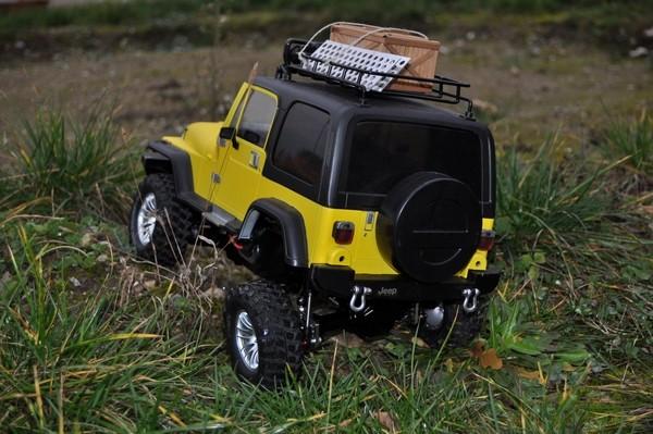 [TAMIYA CC01] Restauration d'une Jeep Wrangler YJ + Modifs châssis  - Page 2 Dsc_1023