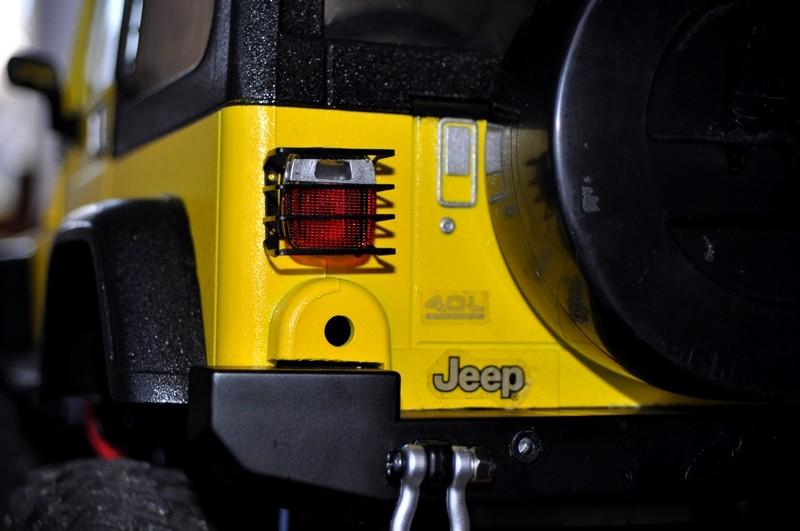 [TAMIYA CC01] Restauration d'une Jeep Wrangler YJ + Modifs châssis  - Page 2 Grille11