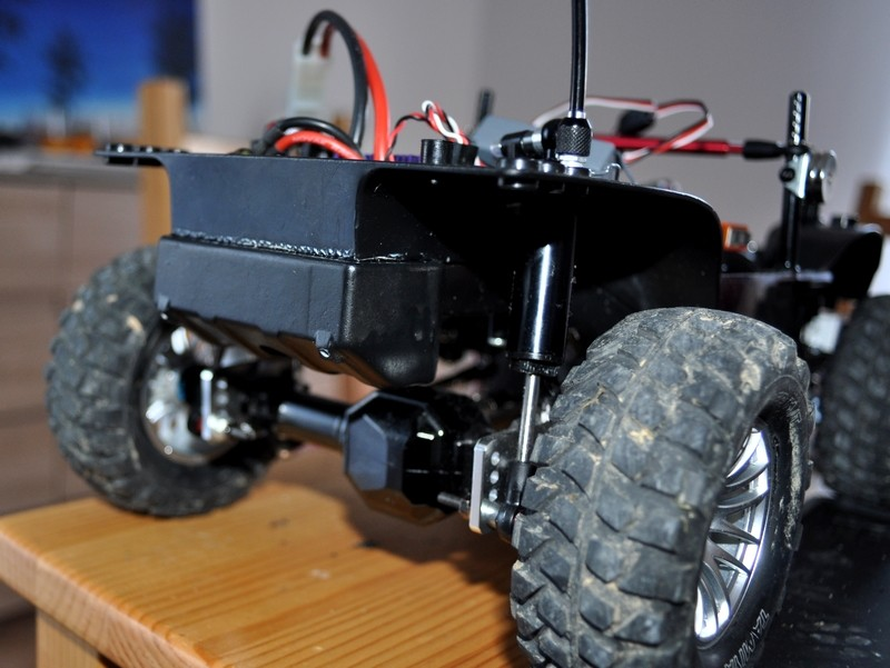 [TAMIYA CC01] Restauration d'une Jeep Wrangler YJ + Modifs châssis  - Page 2 Raserv10