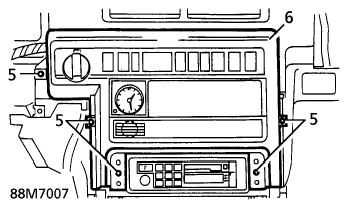 Commutateurs de la planche de bord: Démontage de la console Consol11