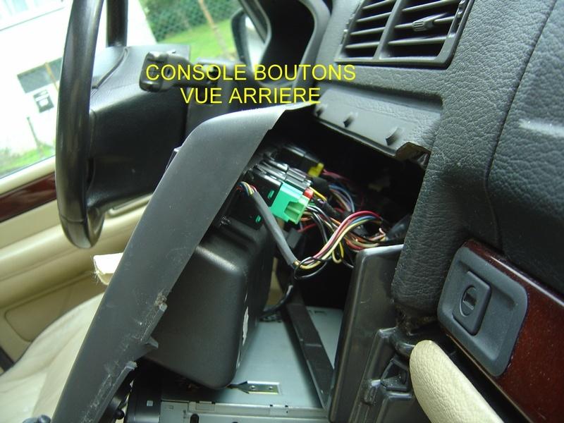 Commutateurs de la planche de bord: Démontage de la console Consol12