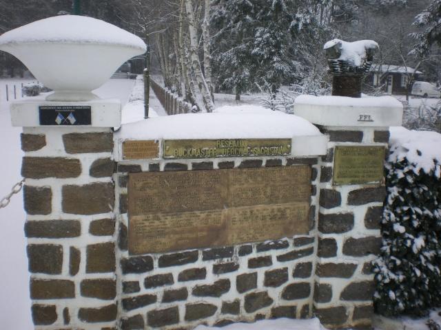 Mémorial Buckmaster de ma commune .  Imgp4231