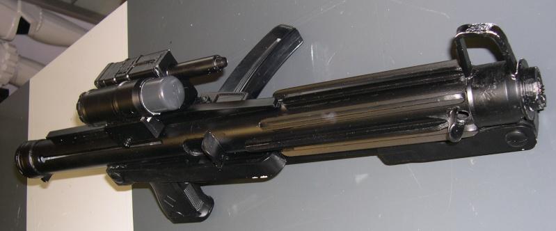 COSTUME PREDATOR GOLDO38 &  SCAR et objets echelle 1 Dscn2746
