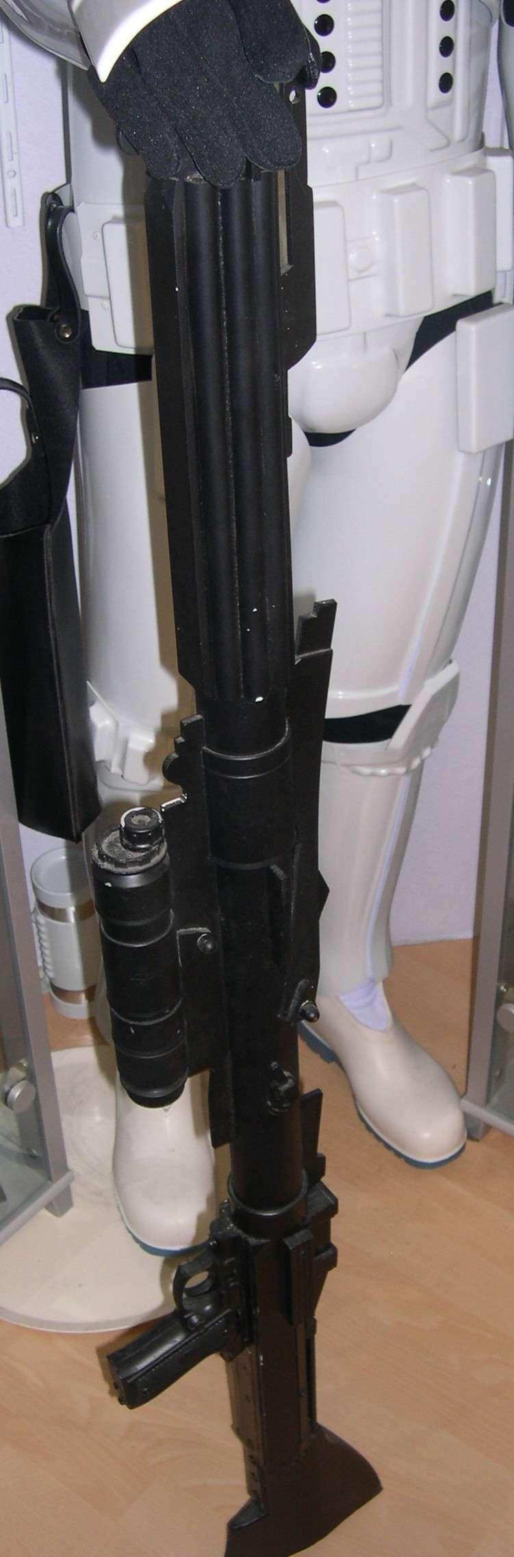 COSTUME PREDATOR GOLDO38 &  SCAR et objets echelle 1 Dscn2750