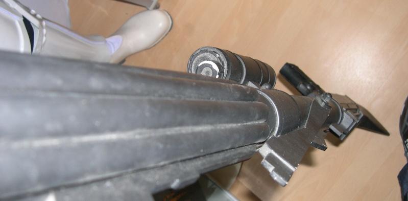 COSTUME PREDATOR GOLDO38 &  SCAR et objets echelle 1 Dscn2753