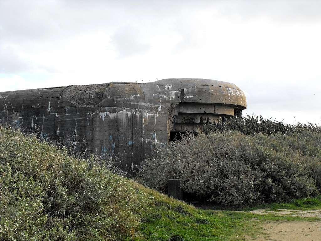 [Histoires et Histoire] Fortifications et ouvrages du mur de l'atlantique (Sujet unique) - Page 4 Bloc810