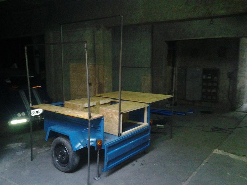 Encontré un modelo de trailer que me gustó... 20120610