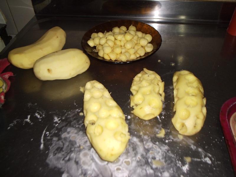 Pollo a la crema de verdeo con papas noisette. P1010040