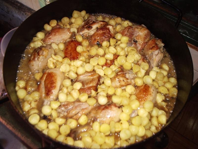 Pollo a la crema de verdeo con papas noisette. P1010047