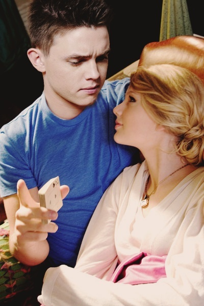 Jesse & Taylor manipulation Tayjes10