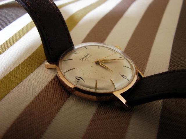 La montre non-russe du Vendredi - Page 7 Dsc00574
