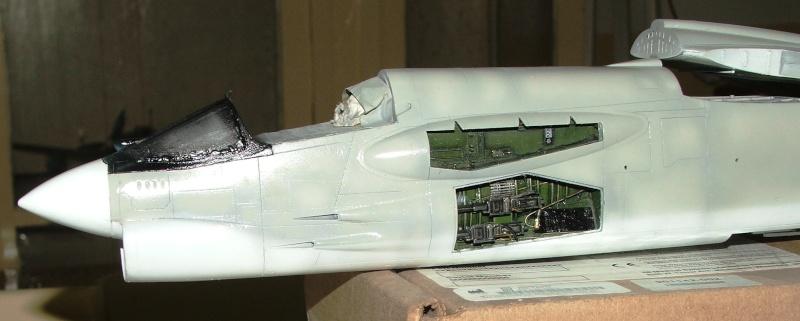 1/32nd F-8E Crusader - Page 8 Dscf2316