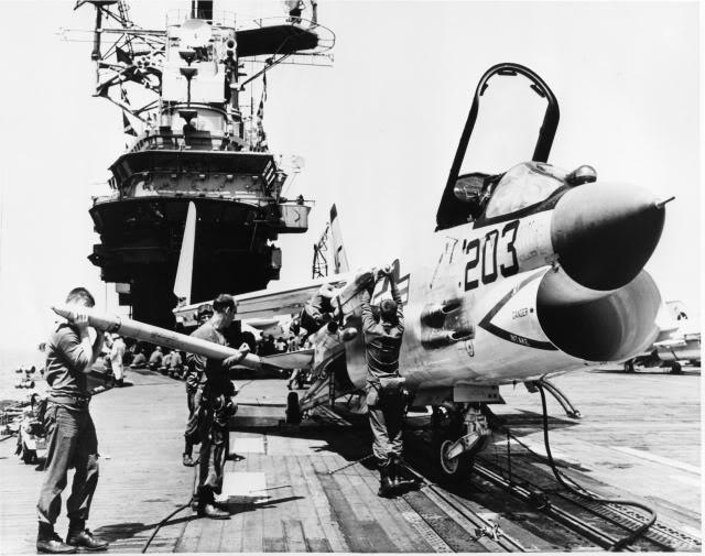 1/32nd F-8E Crusader - Page 6 File0010