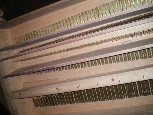 VENTE d'un MUSTEL 2 claviers Pedalier Modele N°9 sans celesta . Mustel17