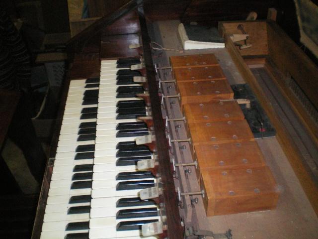 VENTE d'un MUSTEL 2 claviers Pedalier Modele N°9 sans celesta . Mustel19