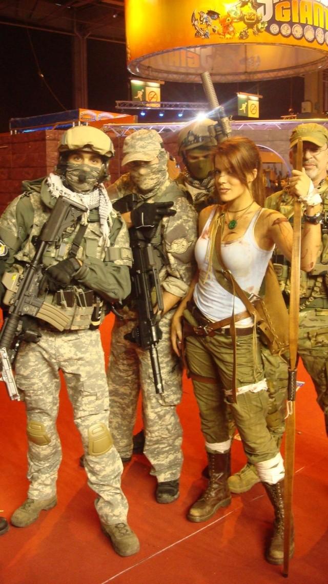 Paris Games Week 2012 en compagnie de la The Unit 66470610