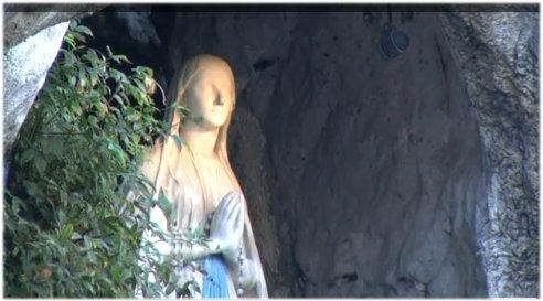 Joyeuse fête de l'Immaculée-Conception*!! Grotte17