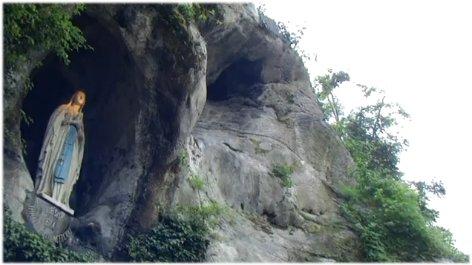 Sainte et Joyeuse fête de l'IMMACULÉE-CONCEPTION* à tous! Grotte24