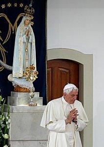 13 mai 1917 : Première Apparition de Notre-Dame* du Rosaire  Nd_de_23