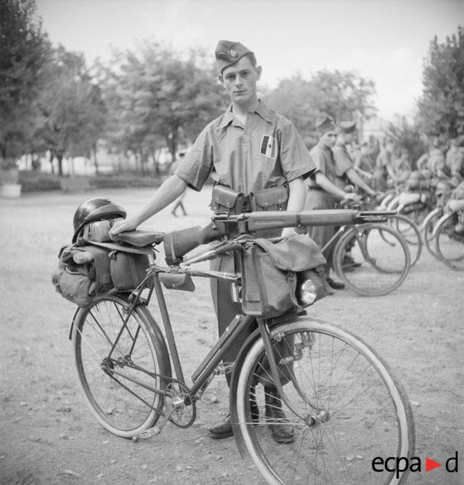 La tenue modèle 1941 / Armistice Vichy-10
