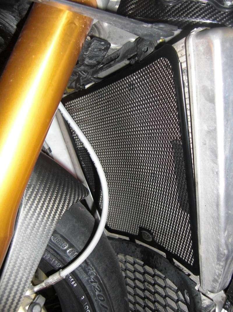 grille de protection radiateur R&G Cimg3343