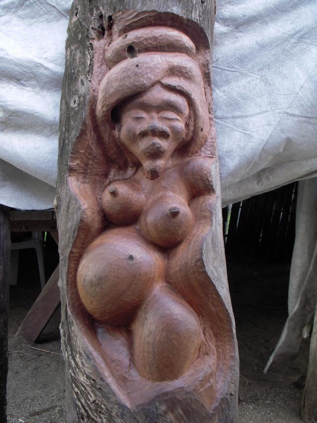 pas à pas femme chocolat (bois noir) Dscn0316