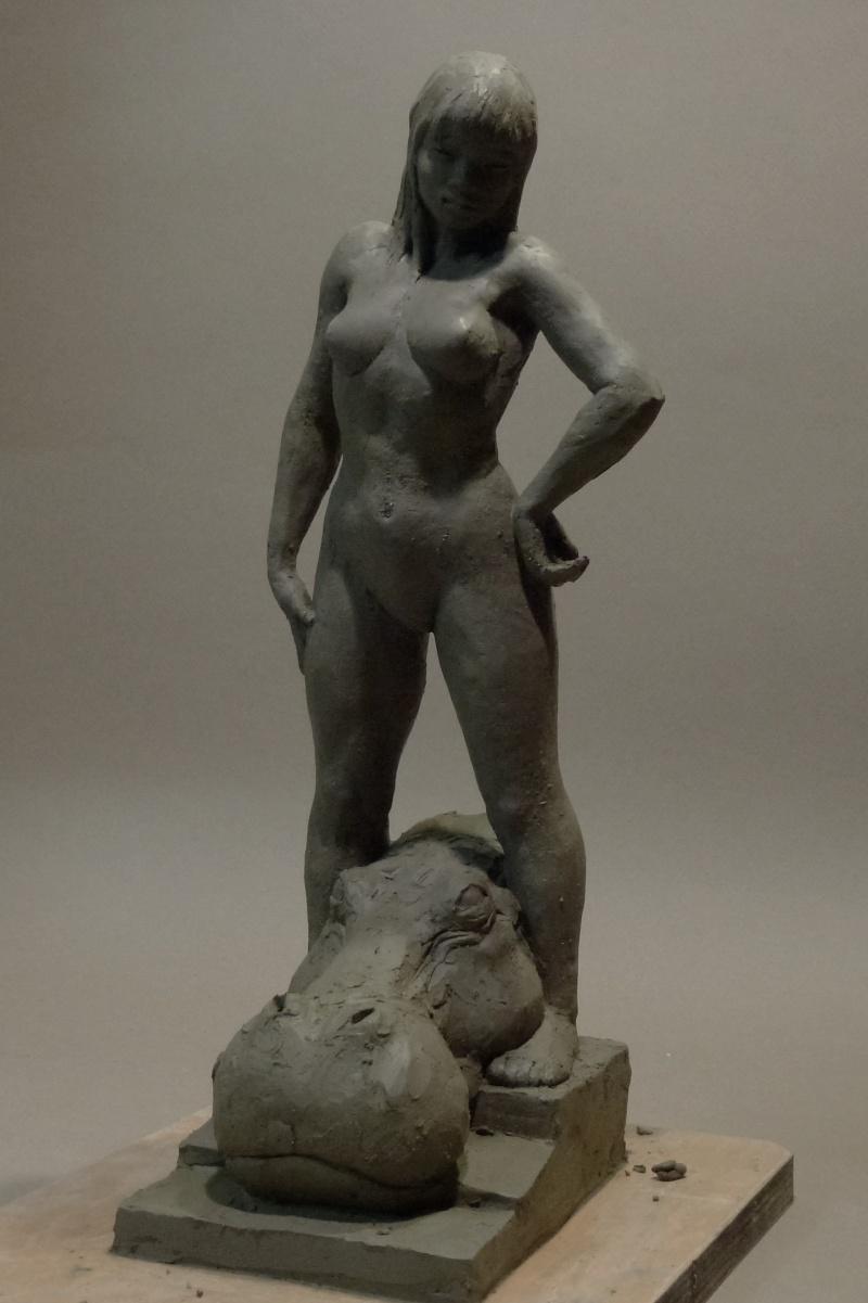 Sculpture amazone P1000412