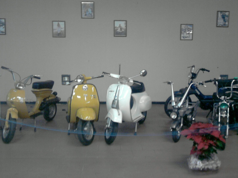 Foto di moto d'epoca o rare avvistate per strada - Pagina 7 P1012121