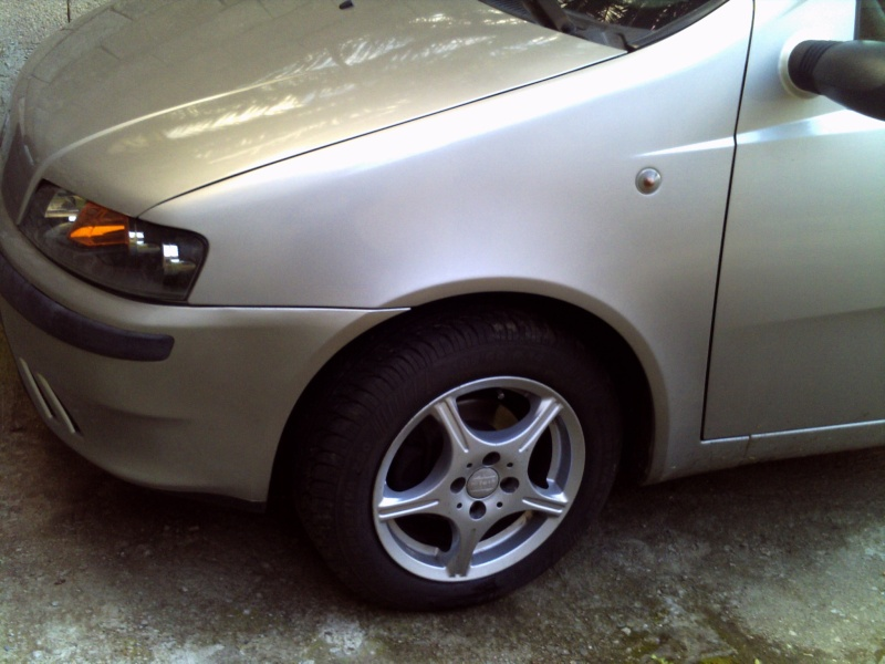 nuovo arrivo...Fiat Punto Mk2 ELX 1.2 8V 60CV 2001 - Pagina 2 Pict0389