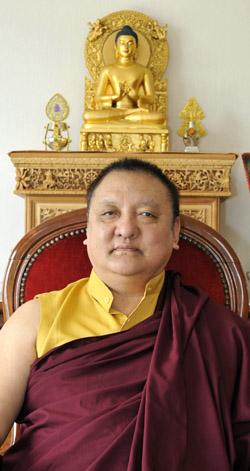 18 19 20 mai Shamar Rinpoché - Dhagpo Kagyu Ling 2012-010