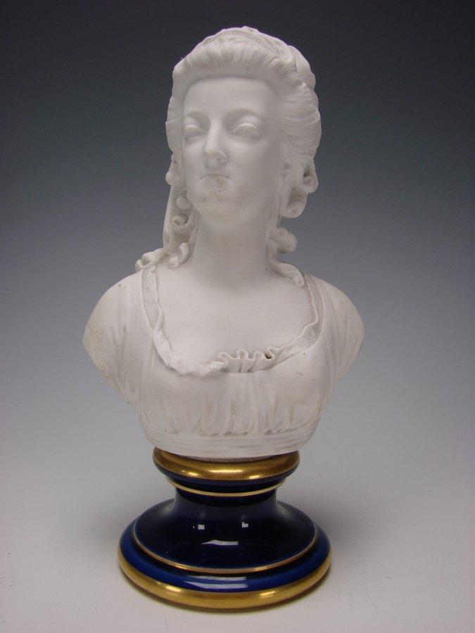 Musée National de la Céramiques de Sèvres - Page 2 Buste_23