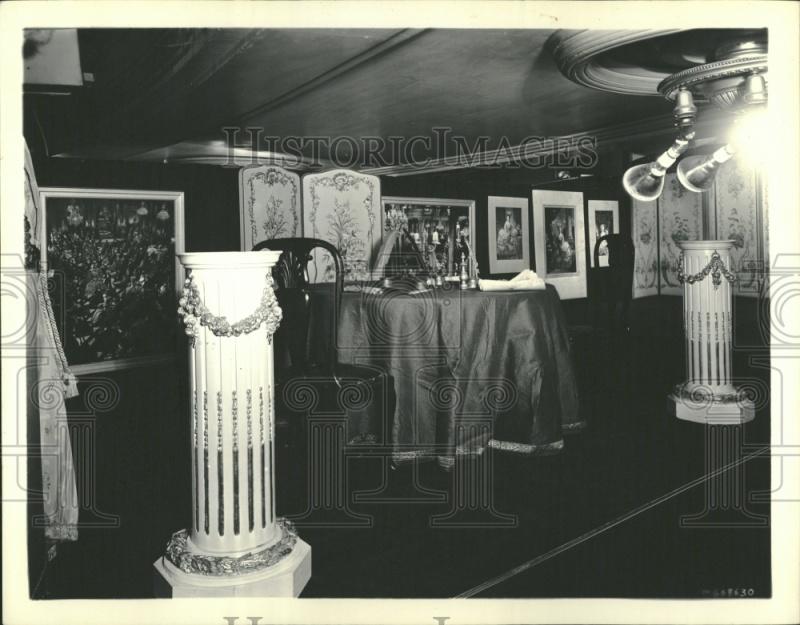 Marie Antoinette avec Norma Shearer (Van Dyke) - Page 4 Musee_10