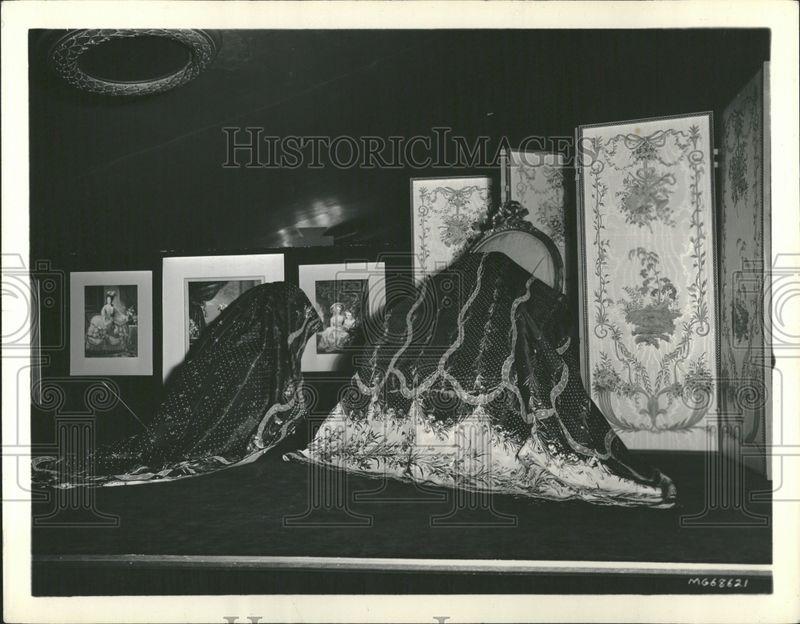 Marie Antoinette avec Norma Shearer (Van Dyke) - Page 4 Musee_11