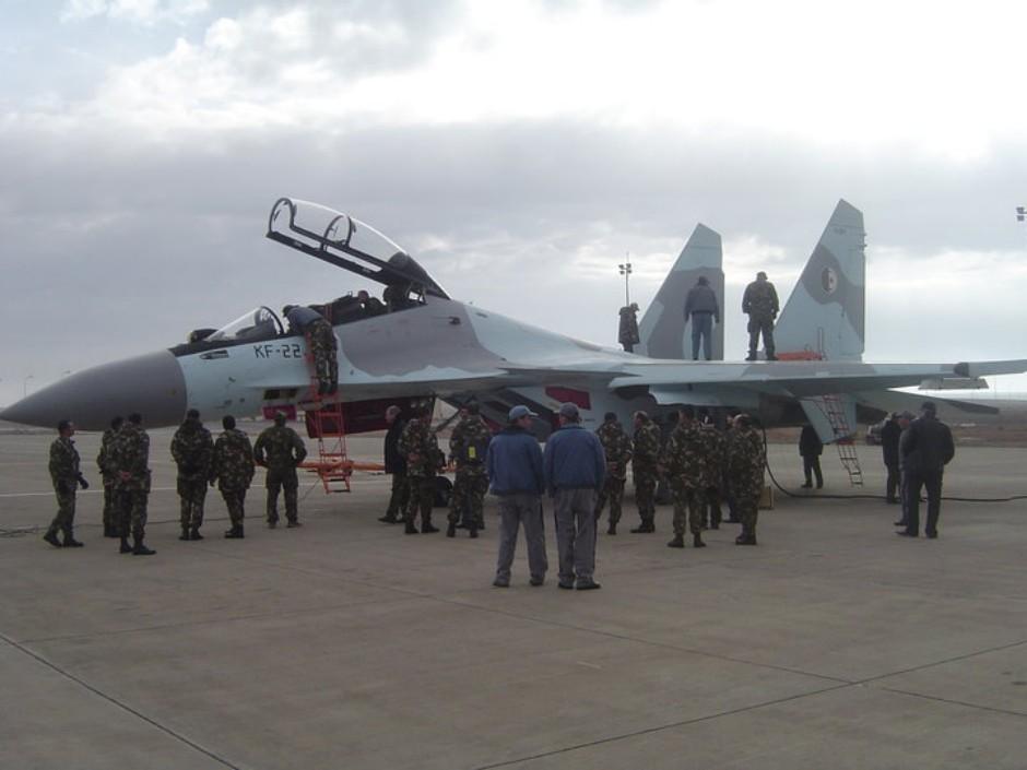 Chasseur Su-30MKA - Page 5 24320610