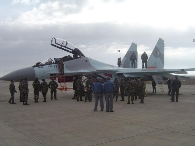 Chasseur Su-30MKA - Page 5 24320611