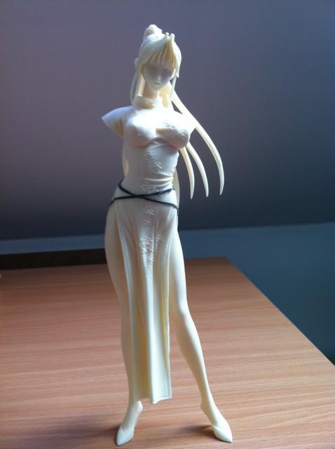 Figurine résine 1/6 avec robe chinoise 114