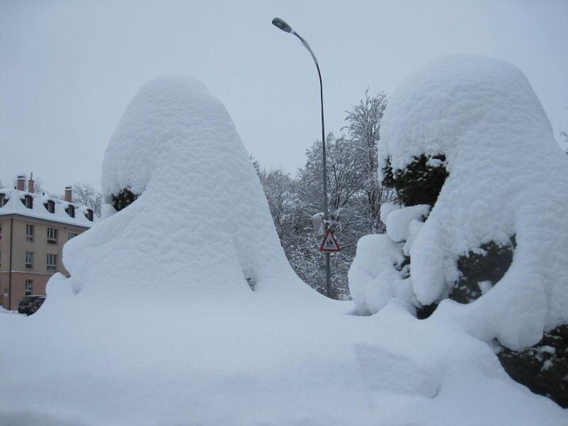Saskia dans la neige en décembre 2011 35_cm_10