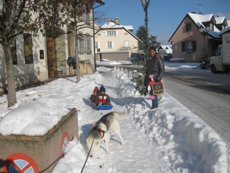 Saskia dans la neige en décembre 2011 Img_2916