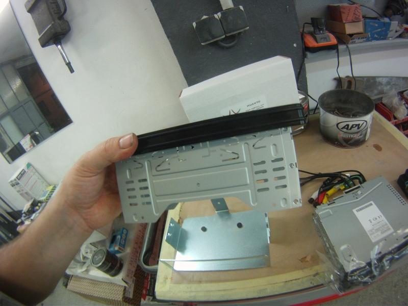 Remplacement  radio d'origine par autoradio classique Gopr0213