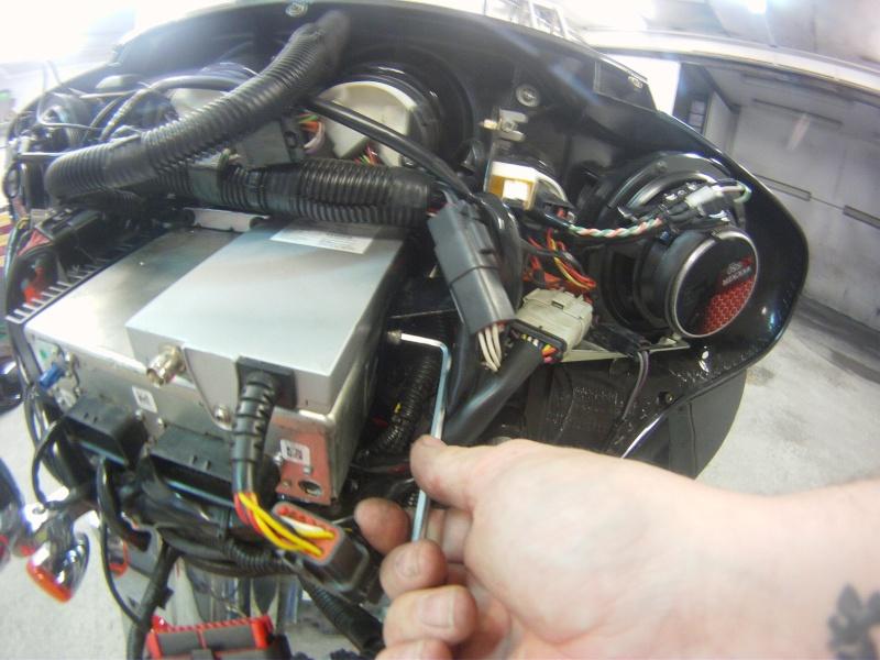 Remplacement  radio d'origine par autoradio classique Gopr0220