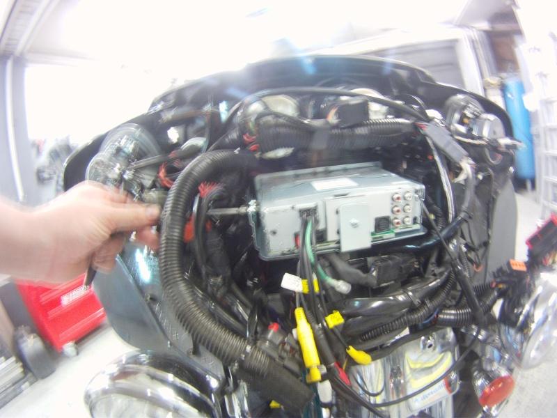 Remplacement  radio d'origine par autoradio classique Gopr0232