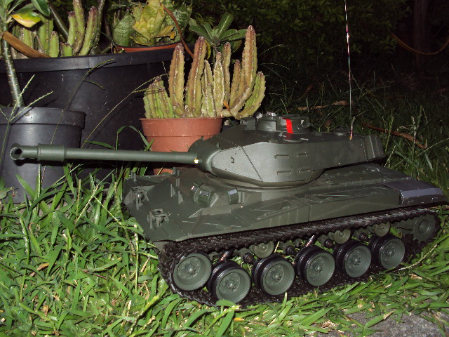 Char d'assault RC 1/16 M41A3 Dsc02310