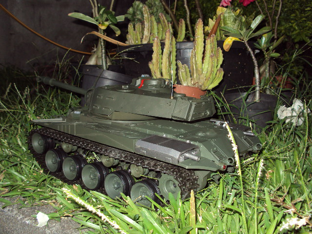 Char d'assault RC 1/16 M41A3 Dsc02311