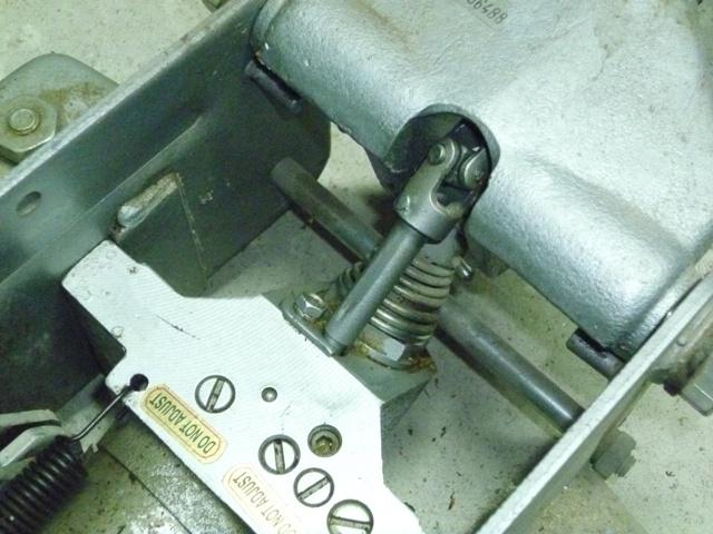 Cric rouleur hydraulique - Aide pour réalisation pièce manquante P1020021